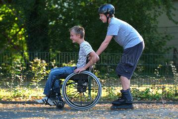 Rollstuhl  Spass  Spiel