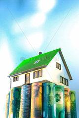 Bausparen; Bausparpraemie; houseowner; Symbol; Vertrag; Investierungen; your; Muenzen; 4 Waende; Baudarlehen; Finanzen; Investitionen; Investition; Sicherheit; Investierung; Kredit; Altersvorsorge; Bausparvertrag; assets; Haus; Finanzierung; walls; Immobi