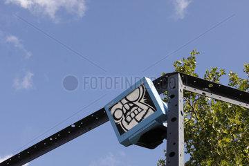 Monitor street art