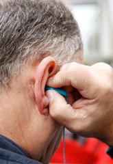 Audio  Hand  hoeren  Kopfhoerer  Ohr
