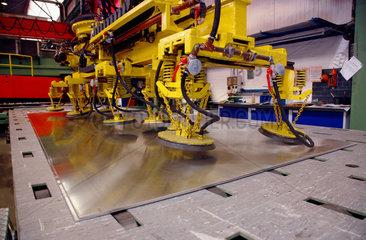 Stahl  Metall  Industrie