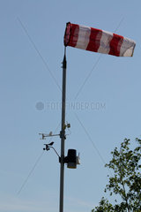 Windmessungen durch Windsack und andere Windstaerkeanzeigen