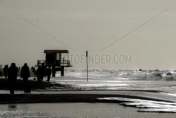 Insel Sylt silberfarbene Wellen 2
