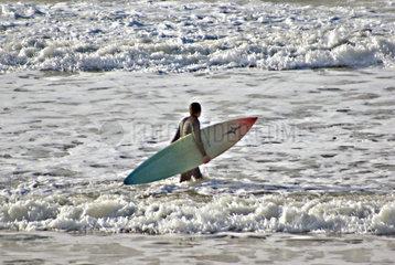 Insel Sylt Surfer in den Wellen