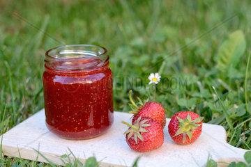 koestliche Erdbeermarmelade selbstgemacht