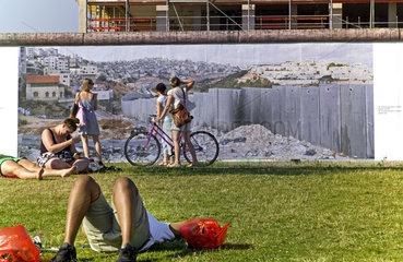 Wall on Wall