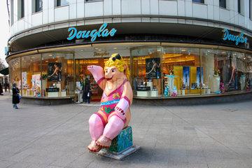 Berlin . Douglas
