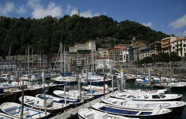 spanische Atlantikkueste  Atlantik  Segelhafen  Yachthafen  San Sebastian  baskisch Donostia  Baskenland  Nordspanien  Spanien  Europa