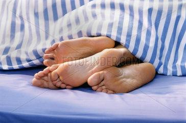 Schlafen  Zweisamkeit  Liebe  Naehe  Bett  Paar