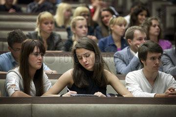 Studenten an der Universitaet in Kaliningrad