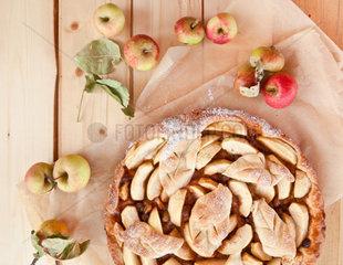 Hausgemachter Apfelkuchen mit Bio Aepfeln