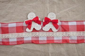Hintergrund zu Weihnachten mit Geschenkband