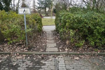 Gehweg fuer Behinderte
