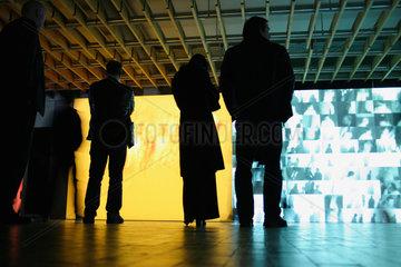 Berlin - Transmediale 2007 Taken interaktive Video-Installation von David Rokeby