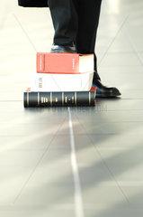 Amtsgericht; Anwalt; Book; Buch; Gericht; Gesetz; Deutschland; Politik; Gesetzbuch; gestapelt  uebereinander  Steuerhinterziehung  Korruption  Gesetzestext; Grundgesetz; justice; Justiz; Justizleitfaden; law; Rechtsanwalt; Richter; Strafverfahren; Symbol;