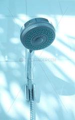 Duschbrause; silber; Dusche; duschen; Brause; Duschkopf; Brausekoepfe; Brausekopf; Duschbrause; silbern; Amatur; Badezimmer; Bad  Fliese  Fliesen