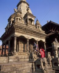 Nepal  Bhaktapur  Nepalese young women on temple