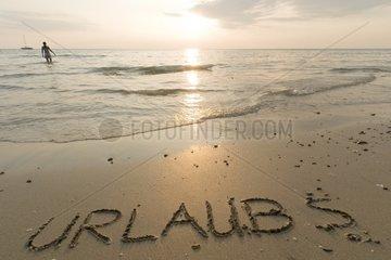 """""""Urlaub? - Sonnenuntergang am Strand von White Sand (Hat Sai Kao) / Ko"""