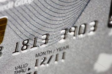 Gepaegte Zahlenkombination als Sicherheitsmerkmal auf einer Kreditkarte