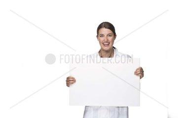 ssrztin mit Tafel in der Hand