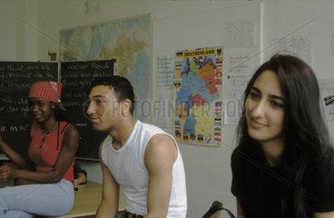 Sprachunterricht fuer Junge Fluechtlinge