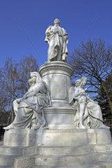 Denkmal fuer Johann Wolfgang von Goethe  Tiergarten Berlin  Deutschland  Europa