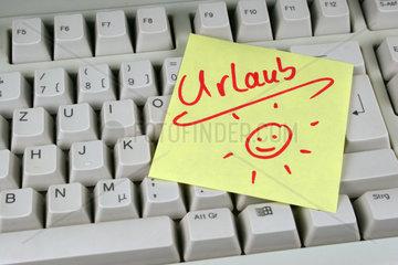 Computertastatur mit einer Nachricht