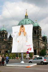 Berlin - Madonna H&M Werbung