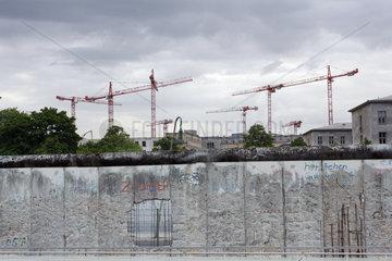 Baukraene der Neue Berlin
