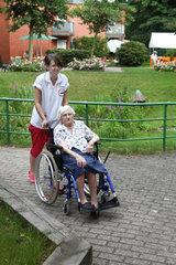 Sommerfest und Altenpflege im Seniorenzentrum