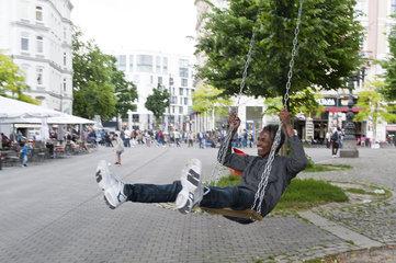 Eine Schaukel fuer den Hansaplatz