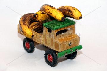 Bananentransport auf der Strasse