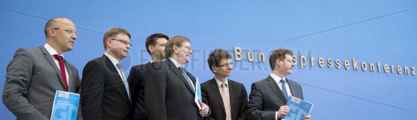 BPK - Gemeinschaftsdiagnose der Wirtschaftsforschungsinstitute Fruehjahr 2017
