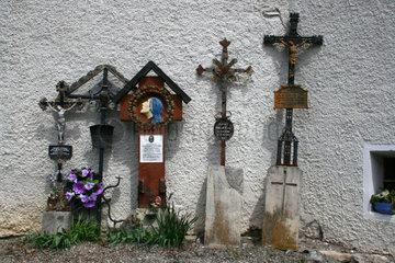 Grabkreuze von aufgeloesten Graebern
