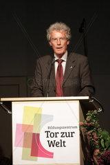 Uli Hellweg  Geschaeftsfuehrer der IBA Hamburg GmbH  eroeffnet das Projekt Tor zur Welt