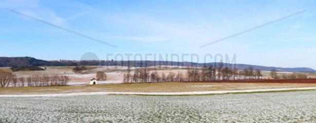 Winterlandschaft bei Wittlich Panorama mit Bergweiler auf der Hoehe