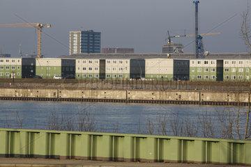 Containerdorf fuer Fluechtlinge in der Hafencity