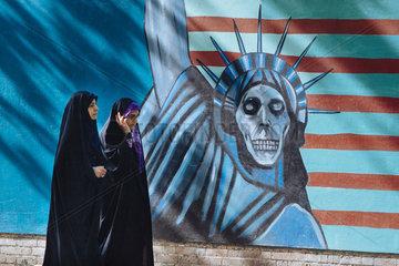 Anti Amerikanisches Graffiti an der ehemaligen amerikanischen Botschaft