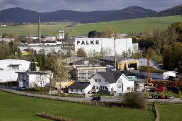 FALKE KGaA - Produktion im Stammwerk