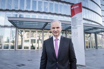 E.ON SE Bilanzpressekonferenz 2016 - Dr. Johannes Teyssen