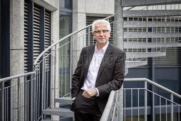 Dr.rer.nat. Winfried Materna  Materna GmbH