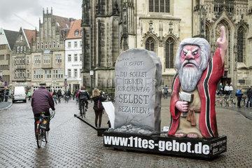 Kunstaktion Das 11. Gebot gegen die oeffentliche Subventionierung des Katholikentages
