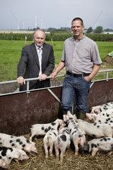 Landwirt Johannes Hillmann und Norbert Schenzle  DikoBa eG i.G