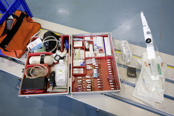 Aerztlicer Notfallkoffer fuer die erste Hilfe