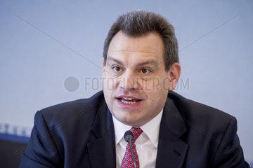 HOCHTIEF AG - Bilanzpressekonferenz 2014  Peter Sassenfeld