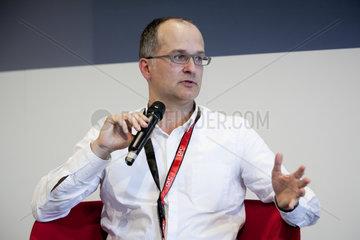 22. Medienforum NRW 2010 - Dr. Juergen Galler  Director Product Management Google