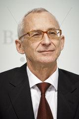 Dr. Wolfgang Plischke  Vorstandsmitglied Bayer AG