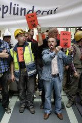 Hochtief AG - Demonstration anlaesslich der geplanten Uebernahme durch den spanischen Konzern ACS