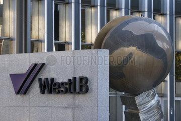 Logo der WestLB AG an der Niederlassung Friedrichstr. 62-80