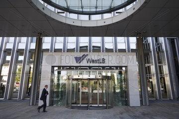 Eingang der WestLB AG  Niederlassung Friedrichstr. 62-80